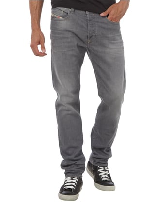 Diesel Stone Washed Regular Slim-Tapered Fit Jeans Hellgrau - 1