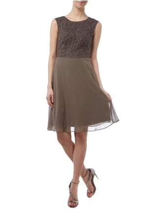 Esprit Collection Cocktailkleid aus Chiffon mit floraler Spitze in Braun - 1