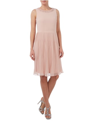 Esprit Collection Cocktailkleid mit Blüten-Applikationen in Rosé - 1