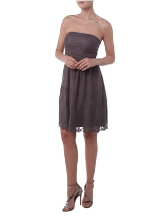 Esprit Collection Cocktailkleid mit feinen Stickereien in Braun - 1
