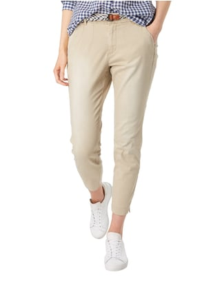 s.Oliver RED LABEL Chino mit Gürtel in Flechtoptik Sand - 1
