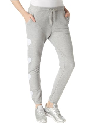 Zoe Karssen Sweatpants mit Herz-Patches Hellgrau meliert - 1