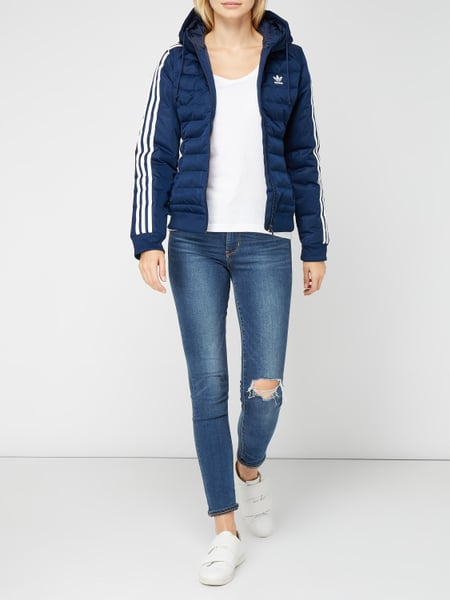 ADIDAS ORIGINALS Slim Fit Steppjacke mit Kapuze in Blau