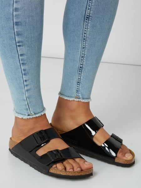 separation shoes 69816 89c82 Birkenstock – Sandalen 'Arizona BS' in Lack-Optik – Schwarz