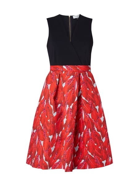 CLOSET-LONDON Kleid mit V-Ausschnitt in Wickeloptik in Rot online ...