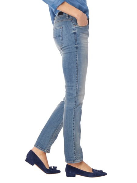 a1234f3b2981 DIESEL Stone Washed Regular Straight Fit 5-Pocket-Jeans in Blau ...