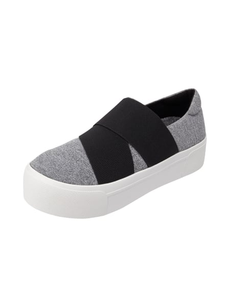 dkny slip on sneaker mit elastischen riemen in grau schwarz online kaufen 9471226 p c online. Black Bedroom Furniture Sets. Home Design Ideas