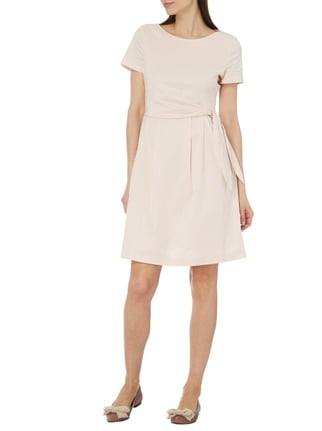 Esprit Collection Kleid mit fixiertem Taillengürtel in Rosé - 1