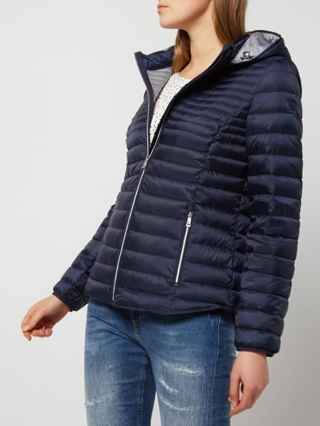 big sale e0fa5 6f4d5 Esprit – Light-Daunenjacke mit Kapuze – Marineblau