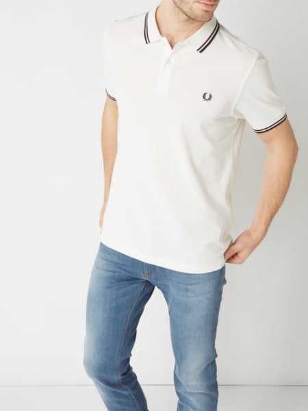 fred perry poloshirt mit zierstreifen in wei online kaufen 9764562 p c online shop. Black Bedroom Furniture Sets. Home Design Ideas