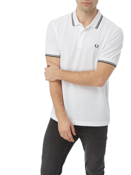 fred perry poloshirt mit zierstreifen in wei online kaufen 9732441 p c online shop. Black Bedroom Furniture Sets. Home Design Ideas