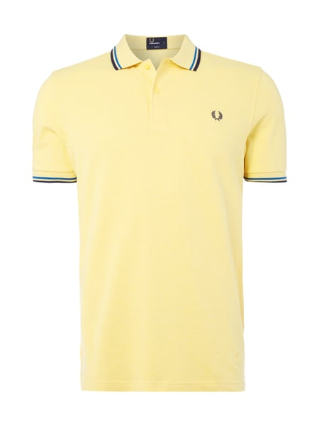 im Angebot 0e901 e615d FRED-PERRY Slim Fit Poloshirt mit Kontrastdetails in Gelb ...