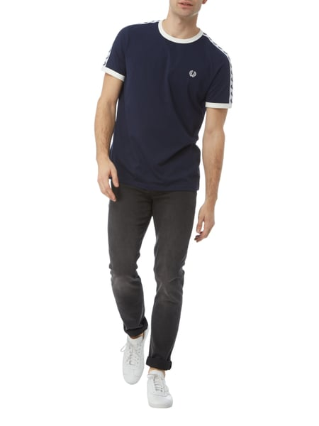 fred perry t shirt mit logo streifen in blau t rkis online kaufen 9732425 p c online shop. Black Bedroom Furniture Sets. Home Design Ideas