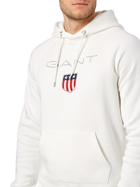 gant hoodie mit logo aufn her in wei online kaufen. Black Bedroom Furniture Sets. Home Design Ideas