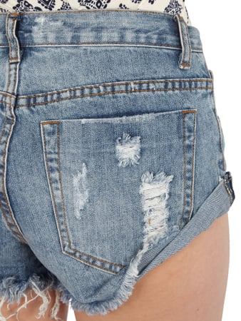 Bleached Hotpants im Destroyed Look Glamorous online kaufen - 1