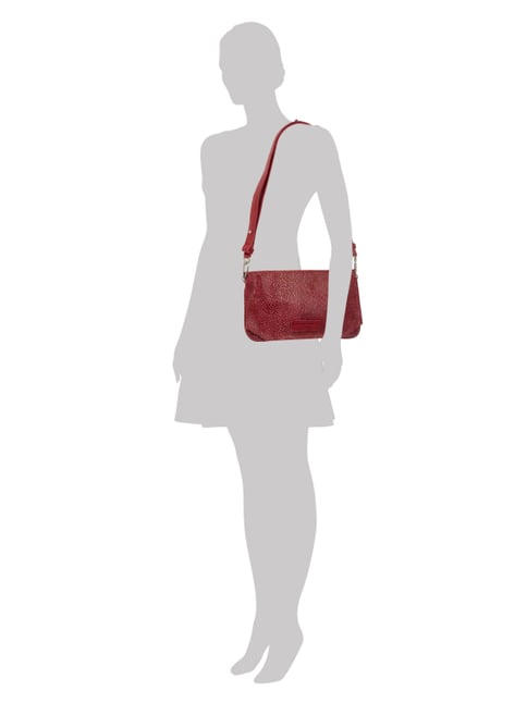 Liebeskind Berlin Crossbody Bag aus Leder in Rochenoptik in Rot - 1