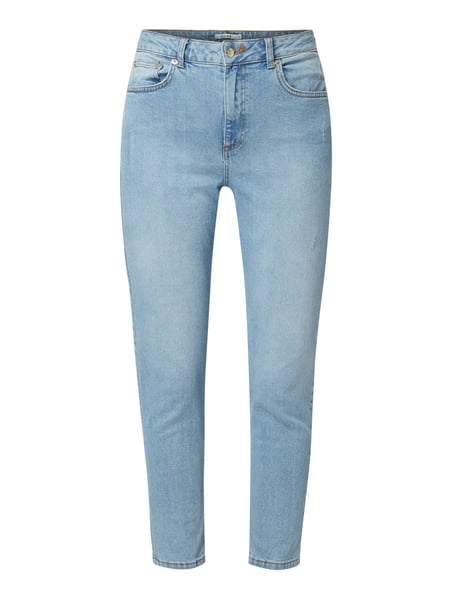NA-KD Mom Fit Jeans im Used Look Blau - 1