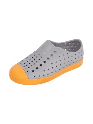 Slip-On Sneaker mit eingestanztem Lochmuster Orange - 1