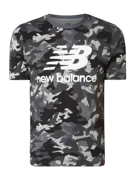 New Balance - Athletic Fit T Shirt mit Camouflage Muster - Schwarz