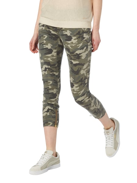 ONLY 5-Pocket-Hose mit Camouflage-Muster in Grün online kaufen ... ce0f5e938a
