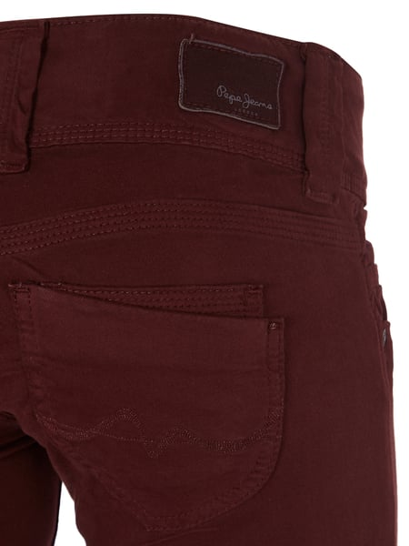 the latest 1c196 a5b46 PEPE-JEANS Coloured Jeans mit 2-Knopf-Leiste in Rot online ...