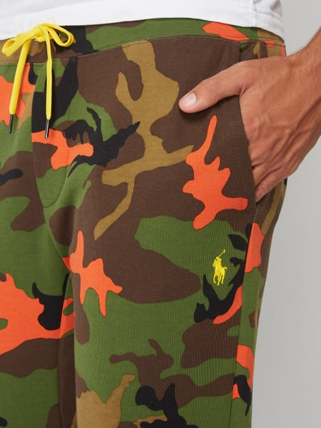 POLO-RALPH-LAUREN Sweatpants mit Camouflage-Muster in Grün online ... e82a7fe5b6