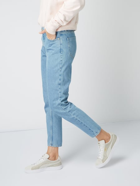 REVIEW – Rinsed Washed Mom Fit Jeans – Hellblau