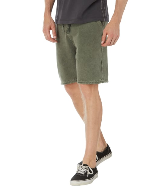 REVIEW Sweatshorts im Washed Out Look Khaki - 1
