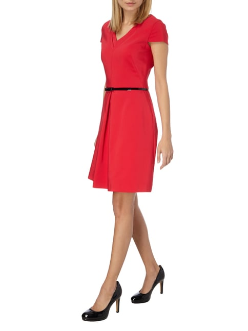 s.Oliver BLACK LABEL Kleid mit Taillengürtel in Rot - 1