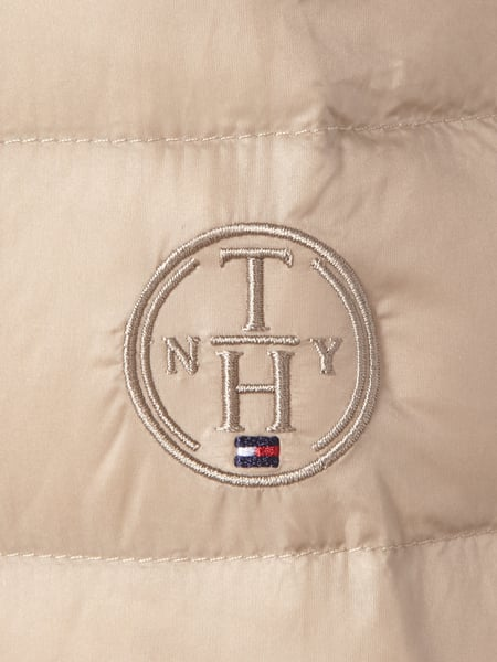 tommy hilfiger steppjacke mit daunen federn f llung in braun online kaufen 9487305 p c online shop. Black Bedroom Furniture Sets. Home Design Ideas