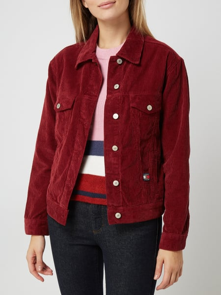 check out ee912 8c6a6 Tommy Jeans – Cordjacke mit Wappen-Stickerei – Bordeaux Rot