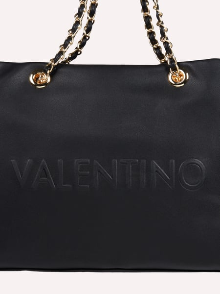 valentino by mario valentino shopper mit kettendetails in. Black Bedroom Furniture Sets. Home Design Ideas