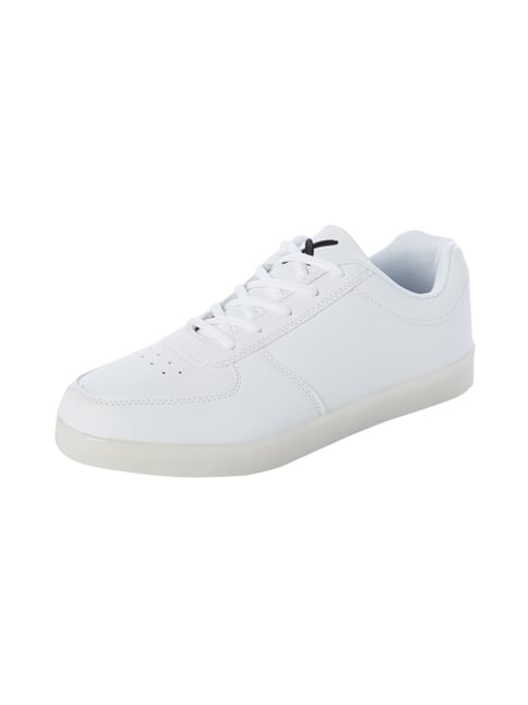WIZE & OPE Sneakers mit leuchtender LED-Sohle in Weiß - 1